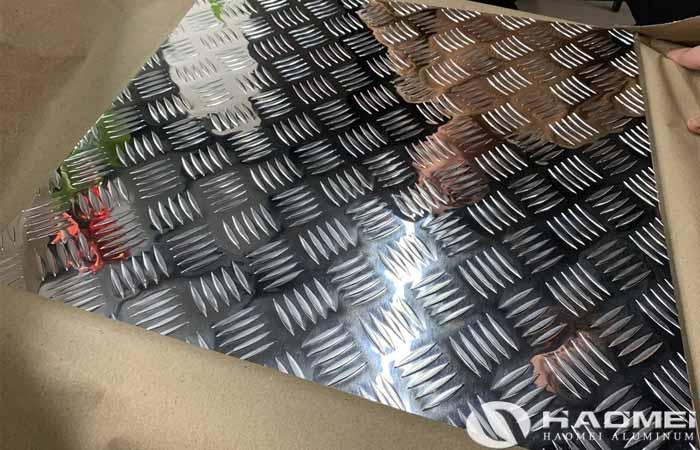 polished aluminium checker plate